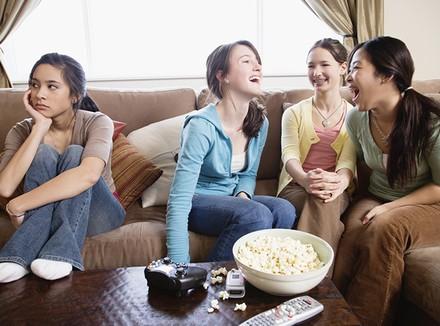 подростки не дружат с девочкой