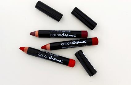 карандаш для губ Maybelline Color drama