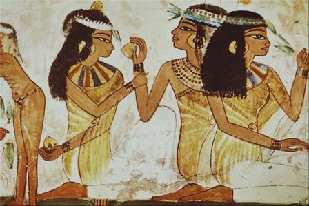 египтянки в древности делают макияж