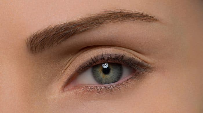 Базовая стрелка для макияжа глаз